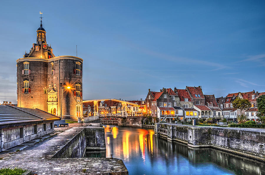 gate-of-enkhuizen-by-night-frans-blok